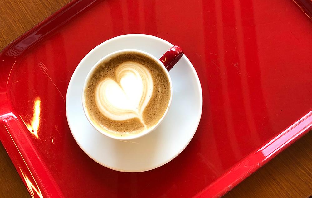 ハートのカフェラテ
